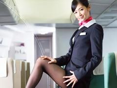 長身美脚スレンダーの激カワ客室乗務員 CA が乗客の男性を誘惑してホテル...