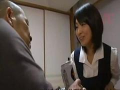 ヘンリー塚本 思春期の女学生と犯罪者のお義父さんが近親相姦セックス! ! !