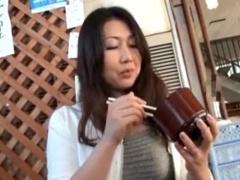 人妻不倫旅行 四十路 42歳 のグラマーな奥様が温泉旅館で他人棒とハメ撮り...