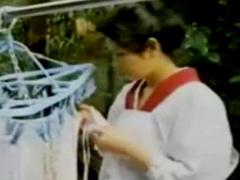 昭和感漂う色っぽい和服のおばさんが男と畳の上で濃厚ベロチューして激し...