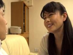 三浦恵美子 美熟女が勃起チンチンに欲情して完熟肉壺で包み込みメス堕ち大...