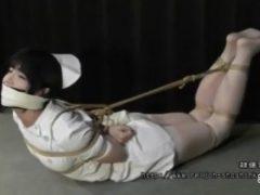 ロープ緊縛されたナース美女がパンチラしながらメス顔で喘ぎ悶えるwww