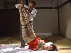 SM動画 和服姿で着衣緊縛して逆さ吊り調教する緊縛秘画報!