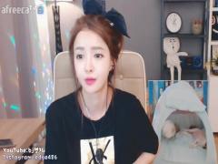 韓国人美女 メチャ可愛い女の子発見! とりあえず、足の裏見せて下さい! w