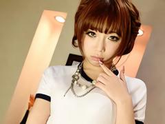 ショートカット激カワ美少女がギャルJKに変身して中年オヤジとラブホで円...