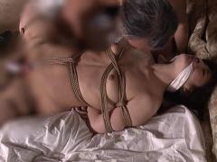 ヘンリー塚本 緊縛巨乳美女! 柔白肌を締め付ける縄とマ○コに突き刺さるバ...