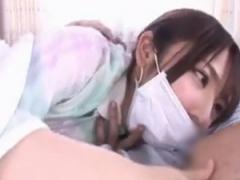 風邪で寝込んでいる巨乳彼女とイチャついてるうちにセックスになだれ込むw