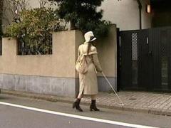 ヘンリー塚本 目が不自由なのに付け込んでひとりぐらしの盲目の巨乳女性を...