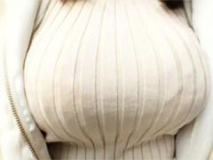 着衣おっぱい♥ でっけぇぇぇぇ! ! ! 裸より100倍エロスなスケベニッ...