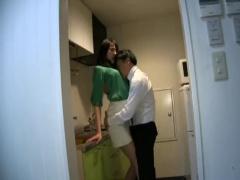尻フェチ タイトスカートで強調されたお尻がエロい美女が男に襲われて好き...