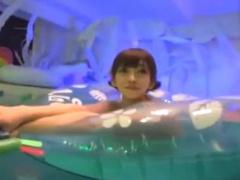 ナイトプールで見つけた水着お姉さん達をホテルに連れ出してハメまくる!