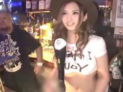 泥酔ギャル 輪姦 バーで人気のヤリマンビッチ店員w《もっとぉぉっ  爆乳&...