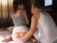 息子の嫁 台風で主人が家に帰れなかった夜の出来事 義父が妻の肉体を弄ぶ...