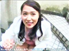 マンション踊り階段でオナサポ枕営業のミニスカパンティーパンチラ美ボデ...