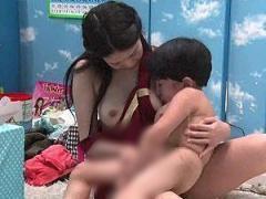 マジックミラー号 保母さん志望の女子大生が胸キュンする身長109cmの少年...