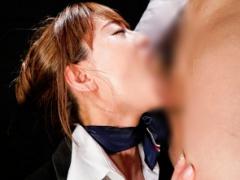 喉奥を徹底的に突かれるイラマチオで恍惚な表情を浮かべる調教済みの美人...
