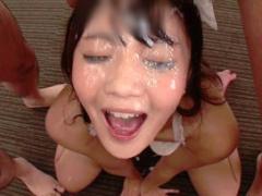激カワ美少女 19 の美顔がドロドロの精子まみれになる連続ぶっかけ! !