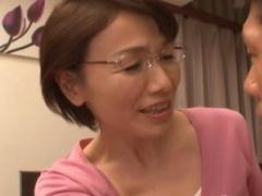 六十路 美智子先生ともっとSEXヤリたい! という一心で成績はメキメキアップ…