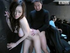 爆乳人妻が映画館で痴漢にハマり浮気SEX