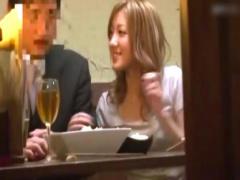 素人 居酒屋でほろ酔いギャルが友達の彼氏を誘惑して寝取りセックス!