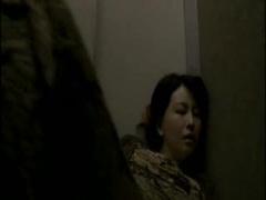 寝取られ動画 妻がでっかいマラの男たちに悶え狂う姿を見て見たい...変態...