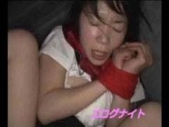 JKレイプ 夜道を歩いていたセーラー服jkを拉致して車内に連れ込み拘束して...