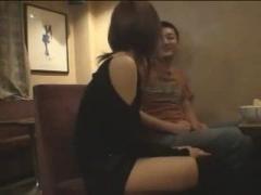 泥酔美女 セクシーな洋服のギャルをカラオケで酔いつぶして連続中出し