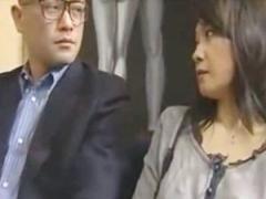 ヘンリー塚本 スワッピングクラブで目の前で夫の唾液を飲む女性を見て興奮...