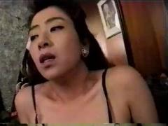 欲求不満の素人熟女さんがおねだり まん汁垂れ流しながら お尻を突き出す