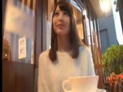高学歴の有名大学の美人女子大生がAVデビュー! こんな美少女のエッチな姿...