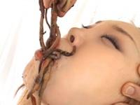超食虫美少女2 ウンコゴキブリミミズユッケを喰う女