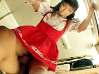 接客中の女のマンコをイカせまくり!!