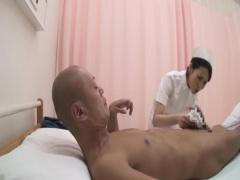 素人 性欲を抑えきれない男の食い物にされる看護実習生