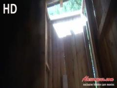 盗撮 外国の女子トイレ④ 南国ビーチの仮設トイレの場合