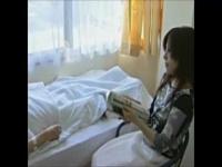 ヘンリー塚本 旦那が入院中に不倫相手と思う存分セックスする人妻
