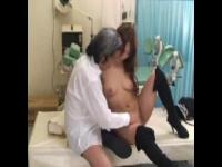 診療と称して妊婦にエロいことしまくる鬼畜産婦人科医が盗撮動画を流出wwww
