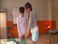 美人塾講師のお姉さんが生徒をフェラ手コキ脚コキ抜き