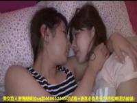 美女二人がイチャつきながらラブラブベロチュー! 仲良く可愛いキスをします!
