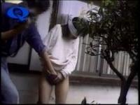 個人撮影 マニアによる野外目隠し全裸ハメ撮り投稿動画! ! 野外目隠し全裸...