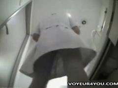 ナース シャワー盗撮 シャワールームで全裸であろうと関係ない! 看護婦さ...