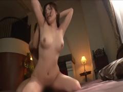 エロい曲線美! 美人な巨乳美女がしみけんのセックステクで激しく乱れる!