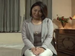 専業主婦の高山さん50歳は旦那に相手にされず欲求不満が限界…