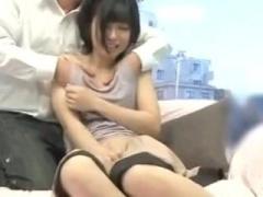 お兄さんに乳首をマッサージされ欲情してしまう人妻! 母乳を噴き出しながら浮気セックスしてしまう