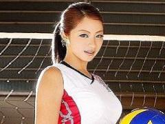 身長178cm! スレンダーな現役バレーボール女子大生が体育館デビュー