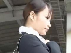 OL痴漢 レイプ魔集団に狙われた美しい女性が衣服を引き裂かれイラマチオで...