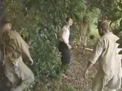 ヘンリー塚本 性欲溜まった兵隊達に囲まれた村娘、無残にも強姦される!