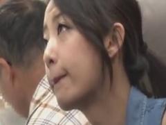 色っぽいドM女子大生を電車でレイプ痴漢動画