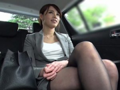 S級人妻 スーツ姿の知的なキャリア人妻をナンパ即ハメSEX ^^  服を脱いじ...