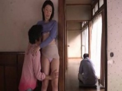 母子相姦 息子に抱かれ肉棒で喘ぎ中出しされて以来夫の傍でも体を求められ...