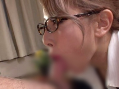 2回連続で精液を搾り出すメガネと赤いリップが印象的なフェロモンお姉さん